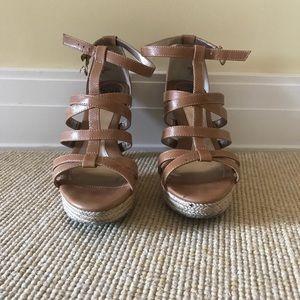 Söftt nude strappy heels